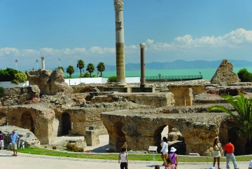 TUNISIA ii asteapta din nou pe turistii romani