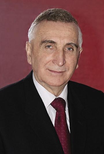 Victor Ciupina, un fizician complet